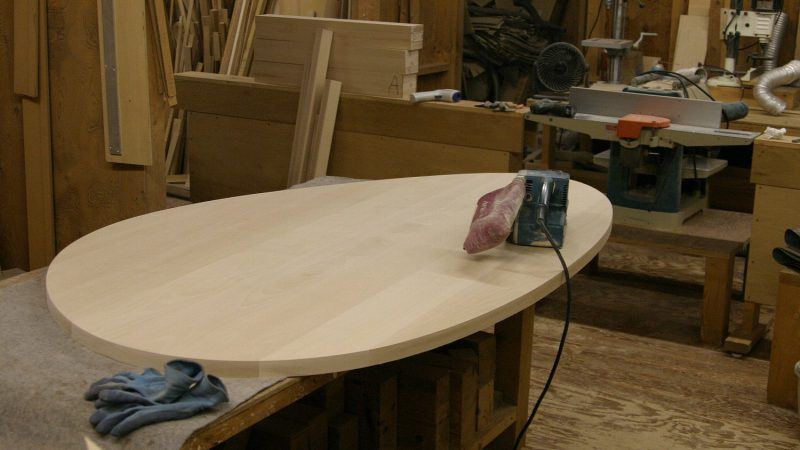 [家づくりblog]うんていのある家 テーブルの曲線づくり