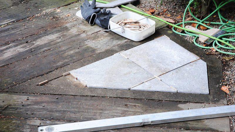 [家づくりblog] 七ヶ浜の家リフォーム 玄関タイル貼り