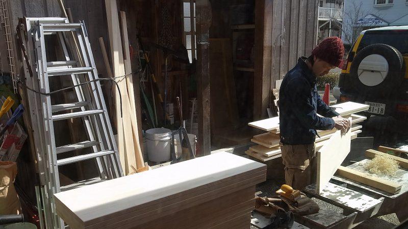 [家づくりblog] 棚の加工中