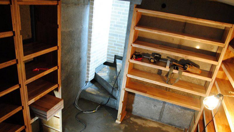 [Hさんのカーヴづくり] オリジナル棚の造作