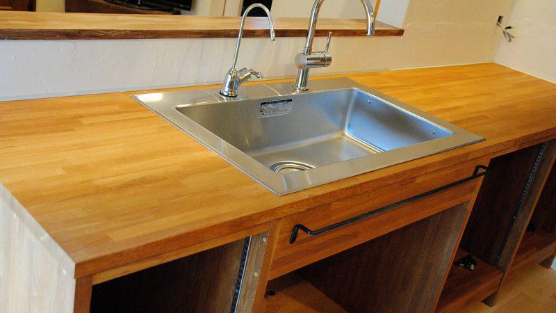 T邸の造作キッチン&テーブル