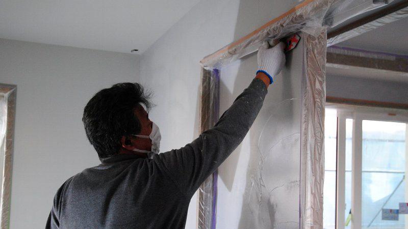 [油絵が時をつなぐ家] 内部塗り壁の様子(ダイアトーマス)