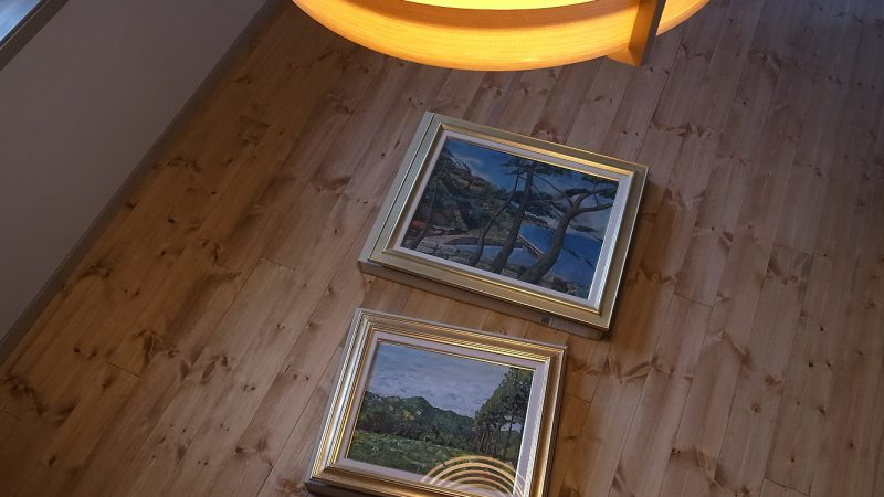 [油絵が時をつなぐ家] 2枚の絵が家のバトンです。